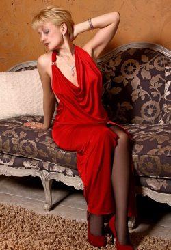 Сексапильная девушка познакомится с мужчиной для встреч в Перми