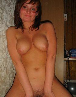 Развратная девушка, ищу парня для секса по скайпу