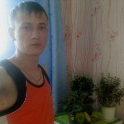 Молодой парень ищет девушку в Перми для жарких свиданий