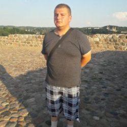 Симпатичный парень ищет девушку в Перми для интима